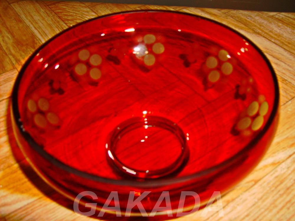 Продам вазу красного стекла гравировка, Вся Россия