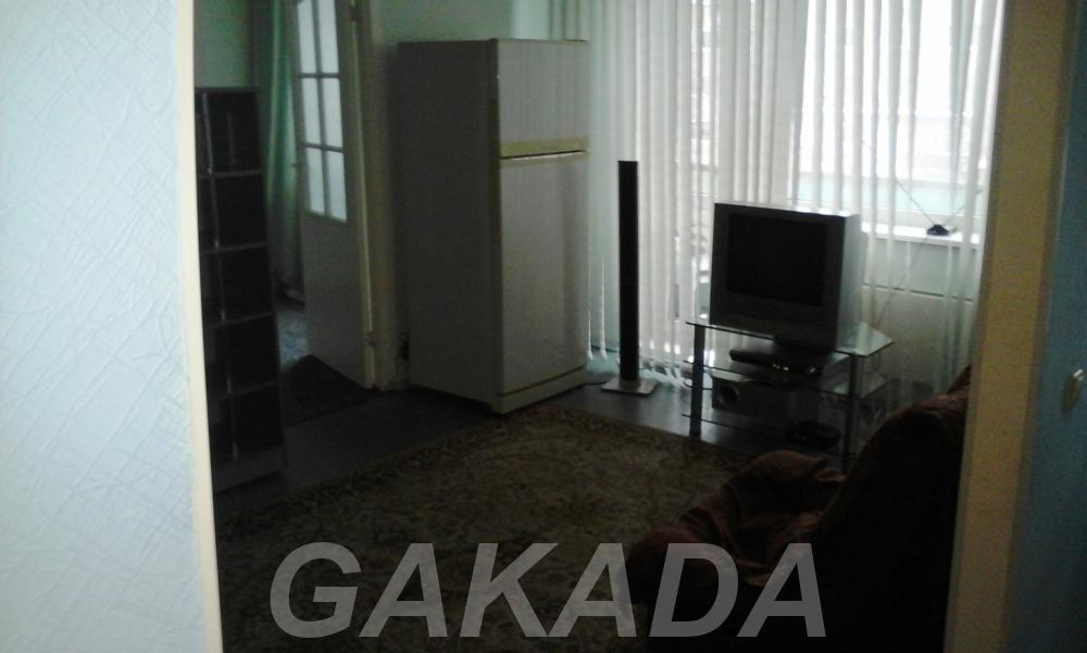 Сдам 2 комнатную квартиру на Красной 15,  Кемерово