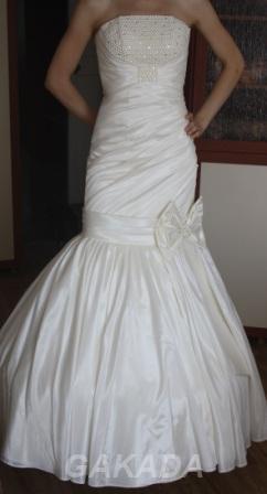 Свадебное платье, размер 42-44 S, Магнитогорск