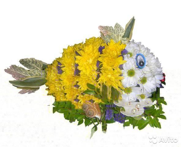 Рыбка фигура из живых цветов,  Москва