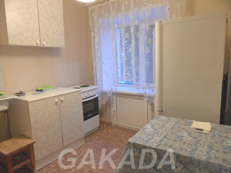 1к квартира ул Проспект Дзержинского 61,  Новосибирск
