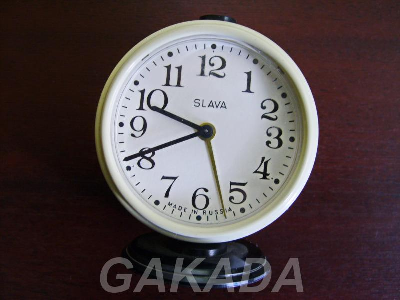 Продаю часы SLAVA СССР настольные механические, Вся Россия