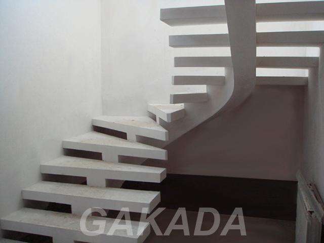 Монолитные лестницы с одним косоуром,  Ростов-на-Дону