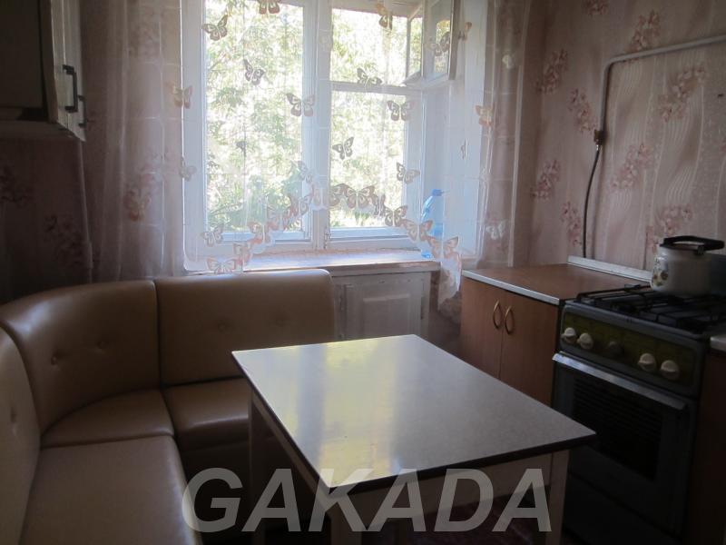 Сдаю на длительный срок 1 ком квартиру в центре,  Киров