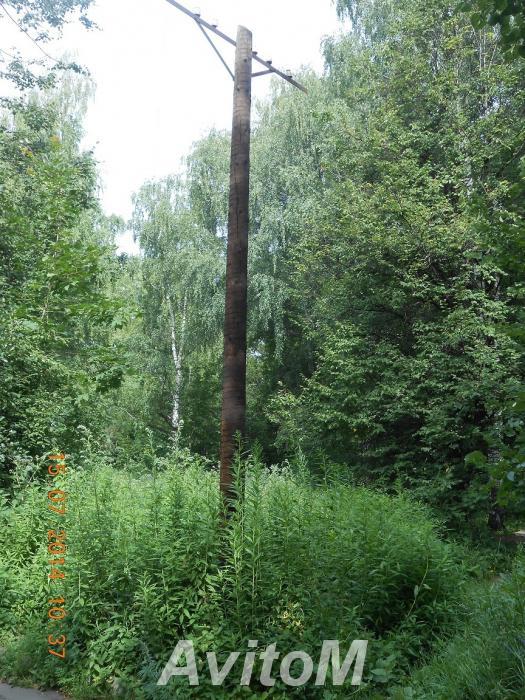 Столбы деревянные,  Москва