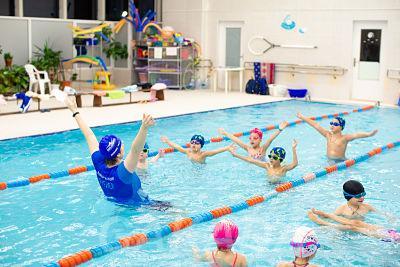Бесплатное занятие в сети детских школ плавания Океаника,  Москва