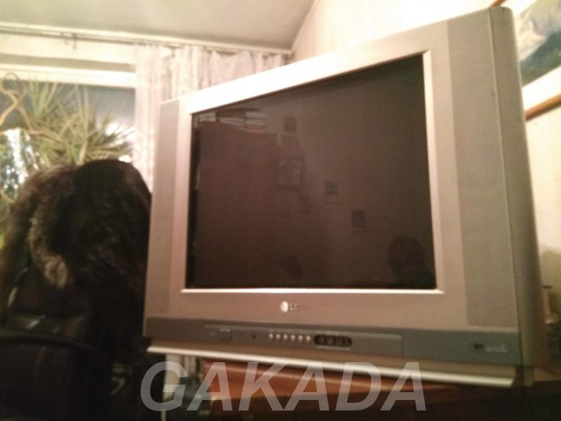 Телевизор LG Flatron 21 55 см с пультом,  Москва